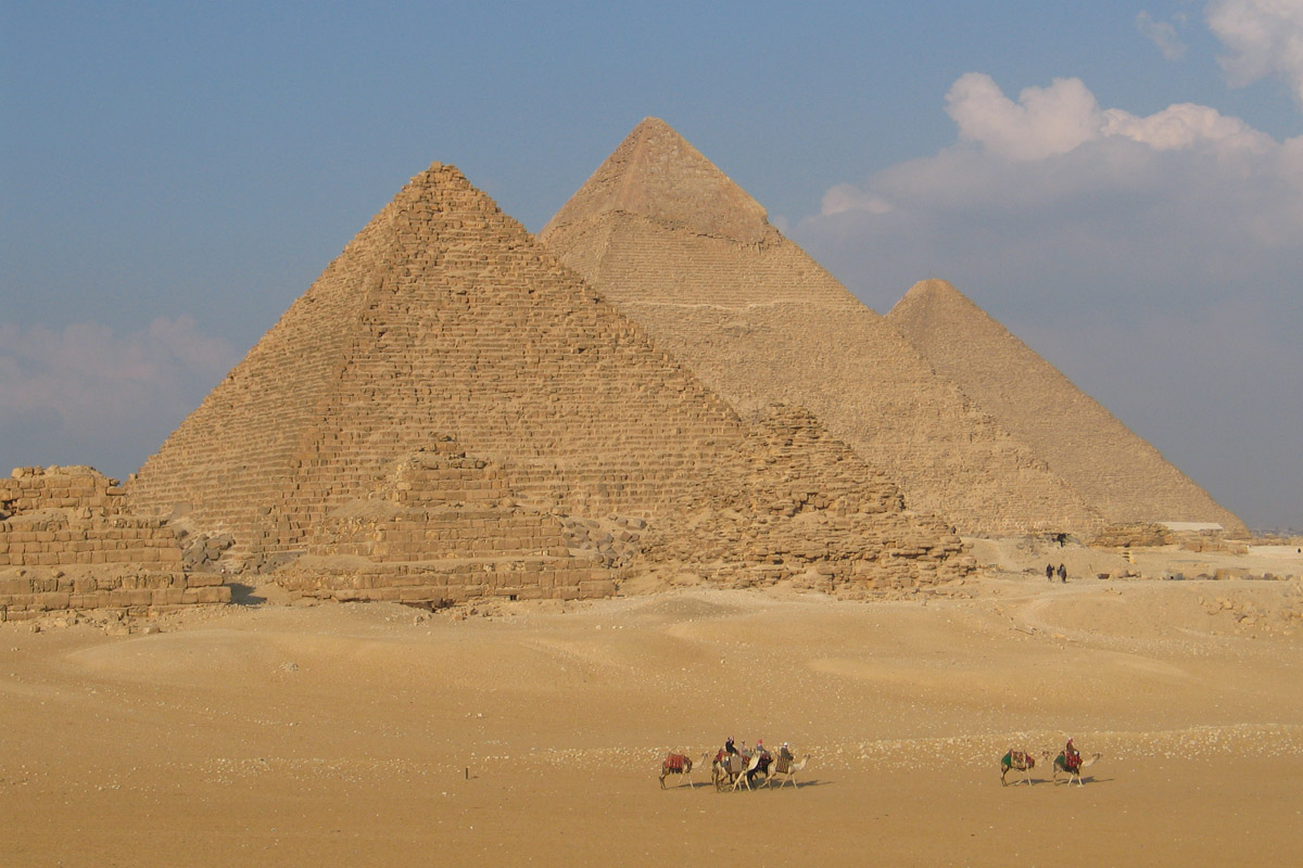 The great pyramids of Giza - Giza tour | Dunes & Beyond