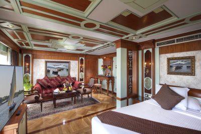Sonesta St. George Royal Suite